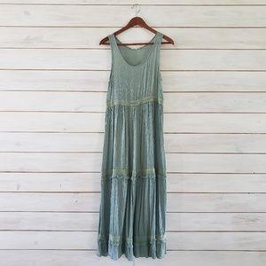 Easel Sleeveless Maxi Dress
